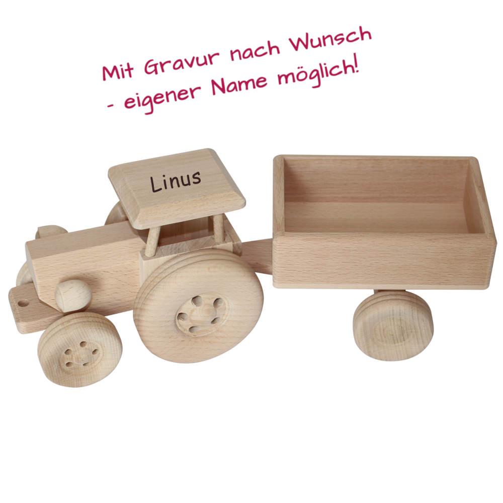 Holztraktor m it Name